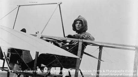 Die US-Pilotin Harriet Quimby Foto: picture-alliance/dpa/George Grantham Bain Collection, Prints & Photographs Division Washington/Library of Congress