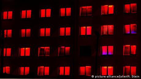 Symbolbild Prostitution Bordell Rotlicht