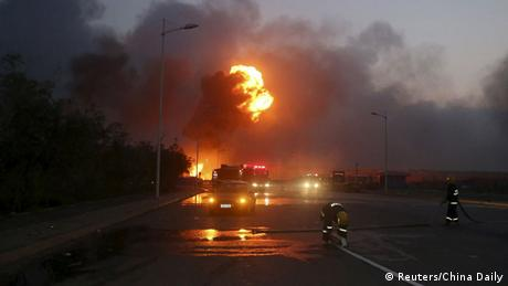 China Explosion in Hafenstadt Tianjin (Reuters/China Daily)
