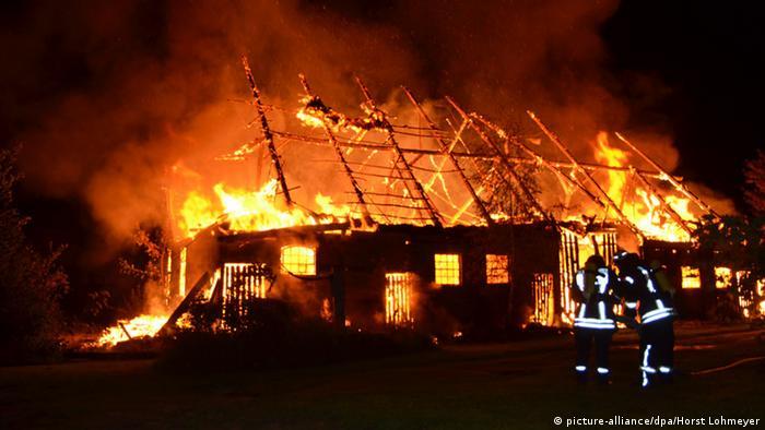Deutschland Brandstiftung Scheunenbrand in Jamel