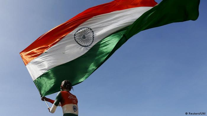 Ein Mann mit Indiens Nationalflagge (Reuters/UNI)