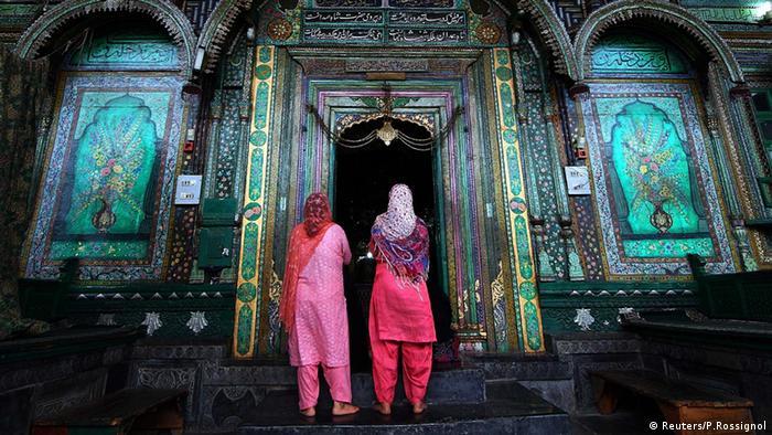 Symbolbild Indien muslimische Frauen Muslimin Kaschmir (Reuters/P.Rossignol)