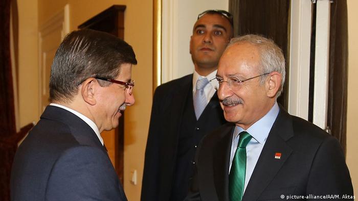 Türkei Koalitionsverhandlungen zwischen Davutoglu (AKP) und Kilicdaroglu (CHP).