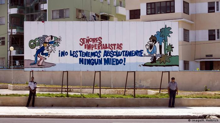 Plakatwand vor der US-Vertretung in Havanna (Foto: imago)
