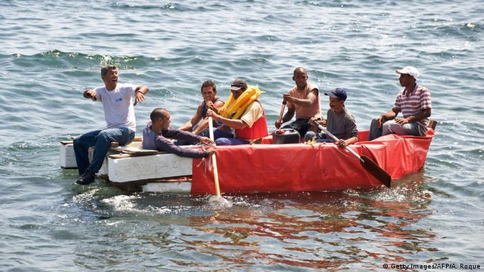 Flüchtlinge aus Kuba auf einem Boot Richtung USA (Getty Images/AFP)