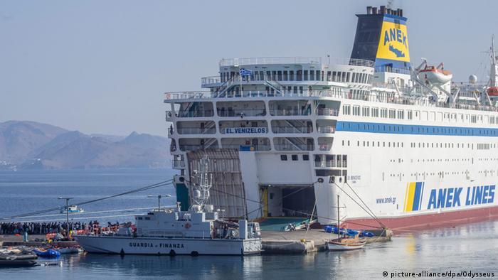 Das Schiff Eleftherios Venizelos im Hafen auf der griechischen Insel Kos Foto: picture-alliance/dpa/Odysseus