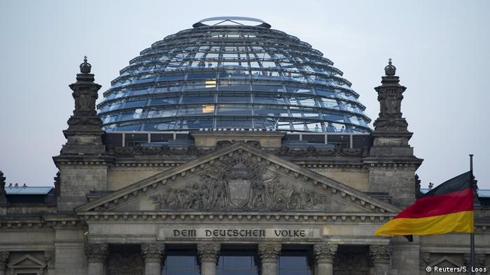 Deutschland Bundestag (Reuters/S. Loos)