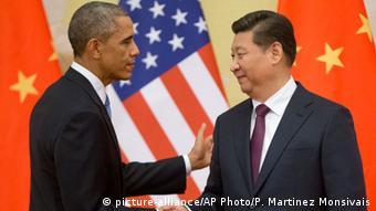 باراک اوباما (چپ)، رئیسجمهور آمریکا و همتای چینی او در دیدار طرفین در پیکن در نوامبر ۲۰۱۴