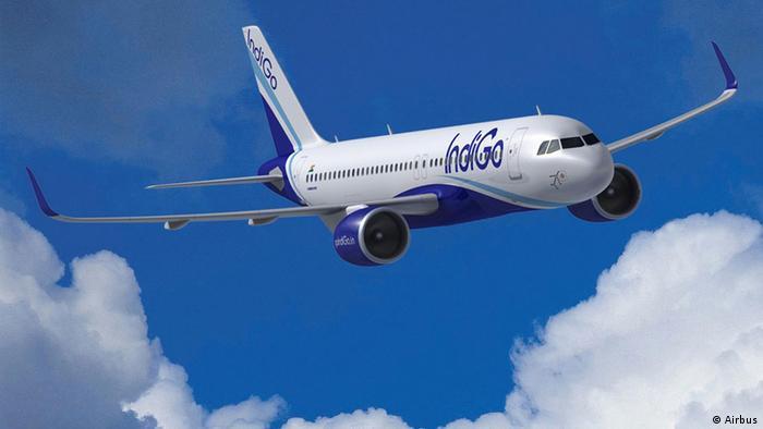 Лайнер Airbus A320. Фотоілюстрація