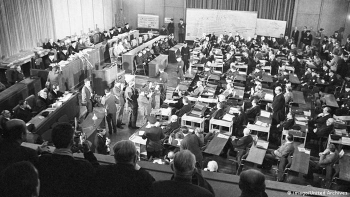 Deutschland Auschwitzprozess in Frankfurt am Main Gerichtssaal