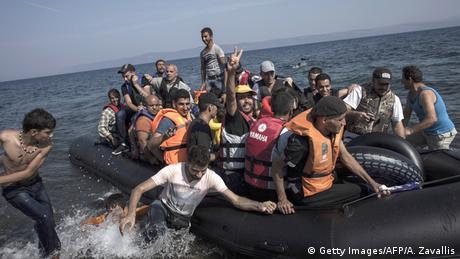 Наострове Кос начался прием мигрантов накруизный лайнер