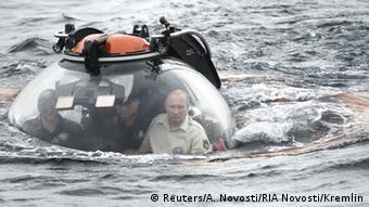Russland Präsident Wladimir Putin aus Submarine