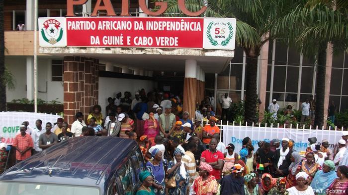 Demonstration in Bissau (DW/F. Tchuma)