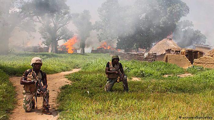 Nigeria Armee Operation gegen Boko Haram (picture-alliance/dpa)