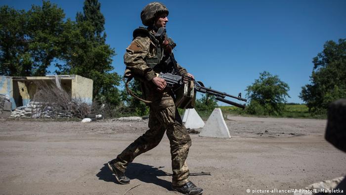 Український військовослужбовець на Луганщині (фото з архіву)
