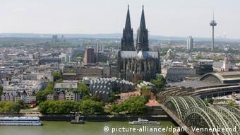 Вид Кельна и Кельнского собора