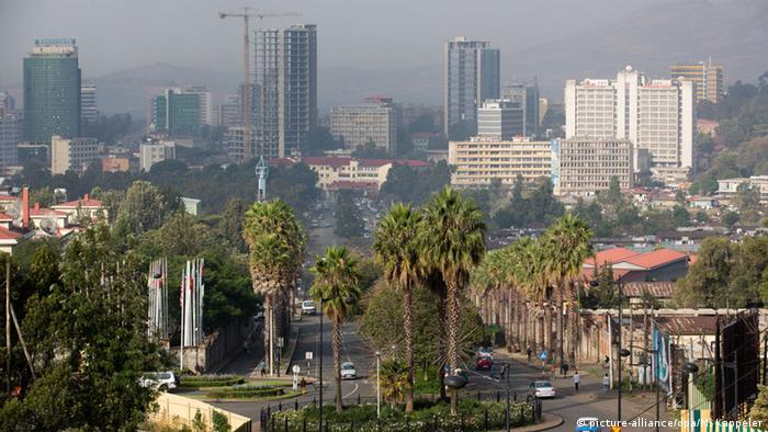 Skyline von Addis Abeba. Foto: Michael Kappeler/dpa