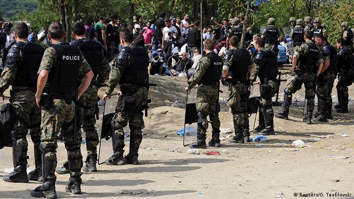 Mazedonien Griechenland Flüchtlinge an der Grenze gestoppt Polizei