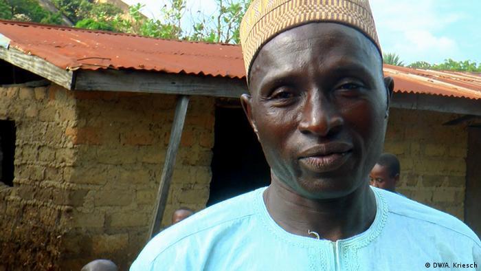 Tödliche Kinderarbeit in Nigeria Verzweifelter Schulleiter