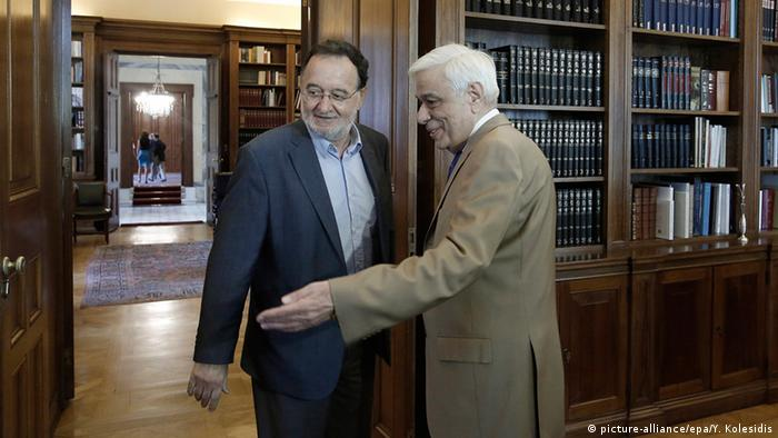 LAE-Chef Panagiotis Lafazanis (links) mit Staatspräsident Prokopis Pavlopoulos (Foto: EPA/YANNIS KOLESIDIS)