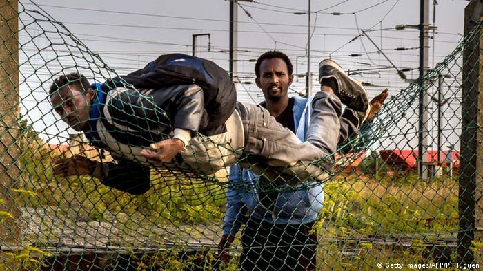Frankreich Flüchtlinge Eurotunnel Calais