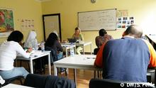 Aufnahmen aus dem Klassenraum beim Integrationskurs. Alle Rechte liegen bei DW/Sven Pöhle