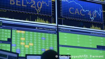 Στην επιφυλακτικότητα των επενδυτών στις ευρωπαϊκές μετοχικές αγορές συμβάλλουν και τα προβλήματα της Ελλάδας με το χρέος, γράφει η FAZ
