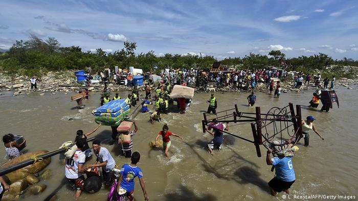 Venezuela weist Tausende von Kolumbianern aus