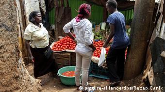 Markt Lebensmittel Kenia Symbolbild (picture-alliance/dpa/Recep Canik)