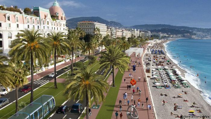 Крайбрежният булевард в Ница - мястото на трагедията, разиграла се на 14.7. 2016
