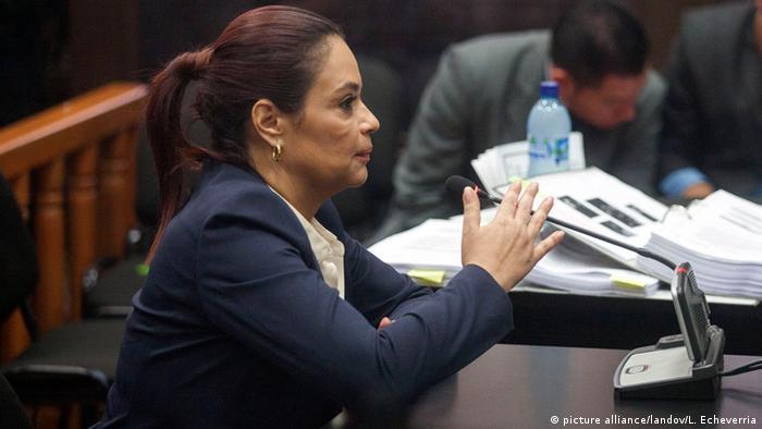 La ex vicepresidenta Roxana Baldetti, presunta implicada en la red La línea