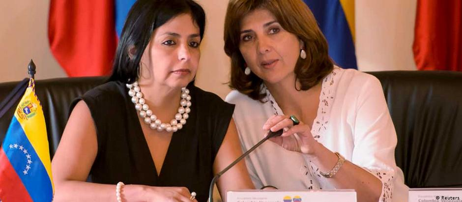 """Ministras do Exterior da Venezuela, Delcy Rodríguez, e da Colômbia, Maria Angela Holguin: """"reunião franca e realista"""""""