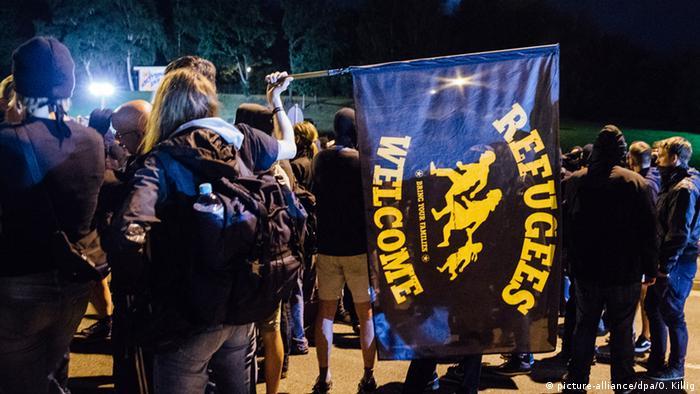Deutschland Linke Demonstranten in Heidenau