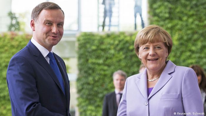 Berlin Merkel und Duda