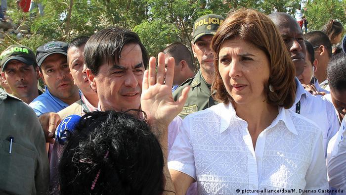 Maria Angela Holguín (dcha.), min. de RR. EE. de Colombia, y el min. de Interior, Juan Fernando Cristo, visitaron Cúcuta.