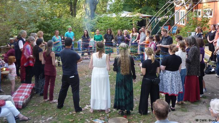 Pagan reclaiming ritual
