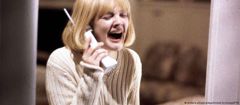 """Drew Barrymore no filme """"Pânico"""", de Wes Craven, 1996"""