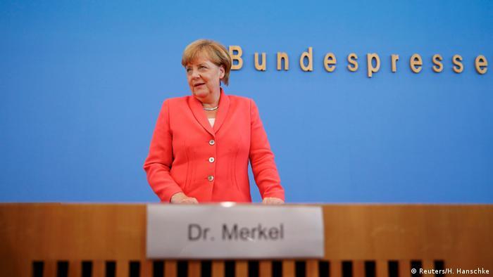 Deutschland PK Merkel (Reuters/H. Hanschke)