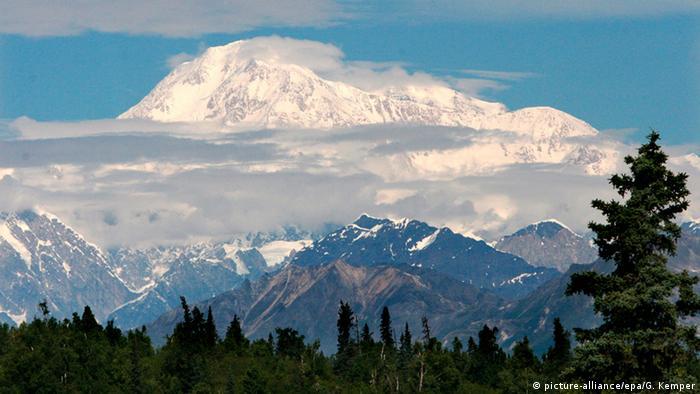 USA Mount McKinley oder Denali (picture-alliance/epa/G. Kemper)