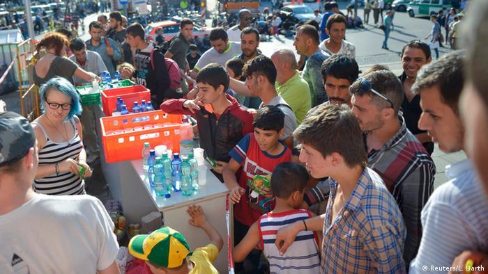 Flüchtlingskrise Deutschland Flüchtlinge am Bahnhof in München