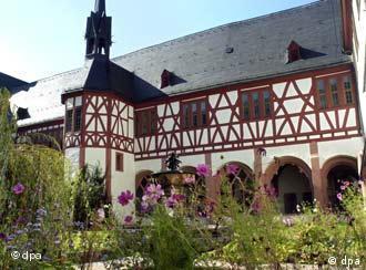 El convento de Eberbach , en Eltville, a orillas del Rín. Construcción del Siglo XIV.