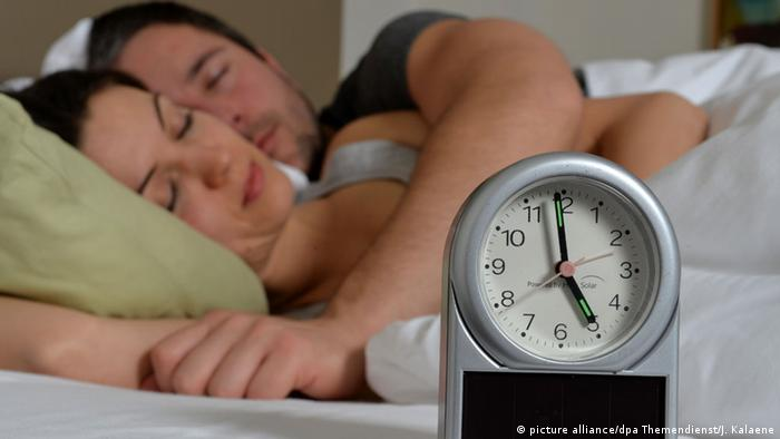 É mesmo necessário dormir oito horas por noite?