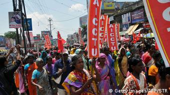 Indian trade union activists shout slogans against the central government during a protest rally in Ranchi on September 2, 2015 (Photo: STR/AFP/Getty Images)