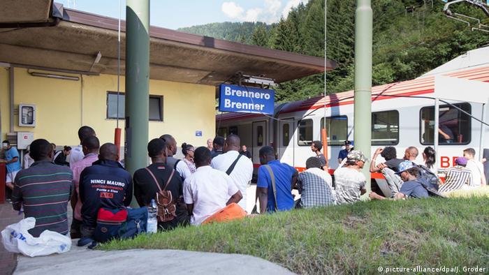 Біженці на прикордонній залізничній станції на перевалі Бреннер