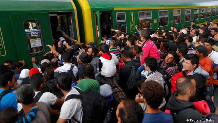 Refugiaţi la gara din Budapesta