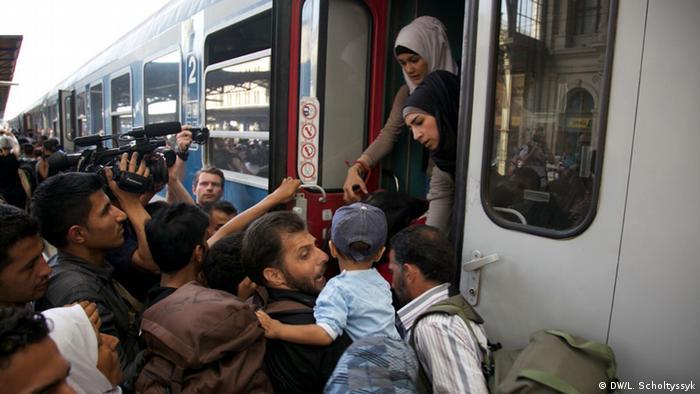 Ungarn Budapest Ostbahnhof Flüchtlinge Zug
