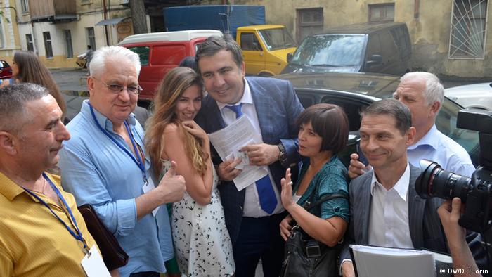 Михаил Саакашвили с жителями Одессы