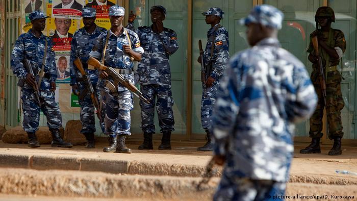 Uganda Polizei in Kampala