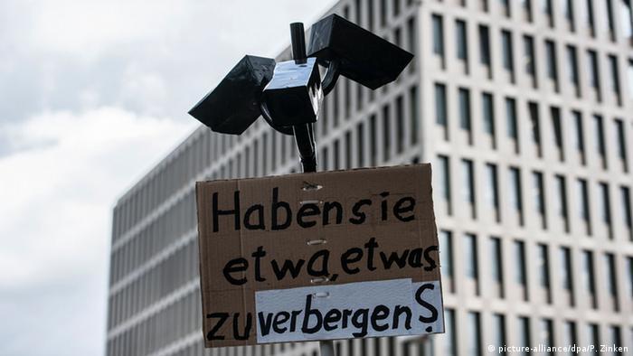 Demonstration gegen massenhafte Überwachung der Kommunikation