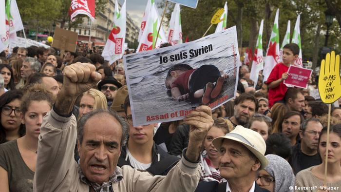 Paris Demonstration Pro Flüchtlinge Flüchtlingspolitik Europa